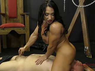 Brandi Mae Muscle VIP Shrew Meandunge