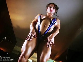 sissified bodybuilder: brandi mae - tissue flexing