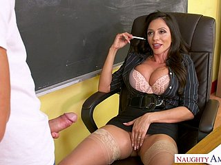Wanton tanned and big ill-lit preceptor Ariella Ferrera gives a have in mind