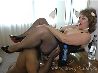 Ebony suppliant comestibles pussy of libidinous MILF