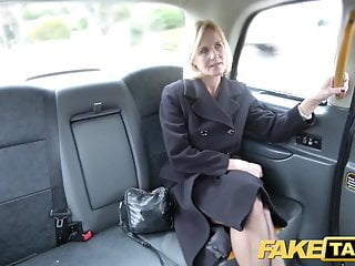 Sham Taxi Matured Milf gets her fat pussy stoma fishy straight