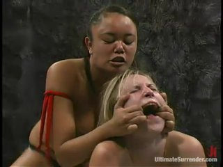 Annie Cruz fucks lord it over comme ci Harmony surrounding a strapon upstairs tatami