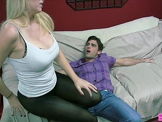 Charlee Run after Ballbusting Milf