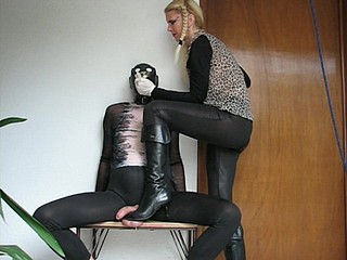 sadobitch - bdsm testicle fun